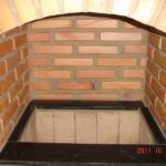 Acabamento interno da churrasqueira em granito