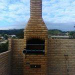 Churrasqueira com grill giratório